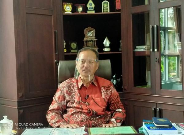 Prof Abdul Haris, Rektor UIN MALIKI Malang yang gemar menulis karya puisi (doc MalangTIMES)