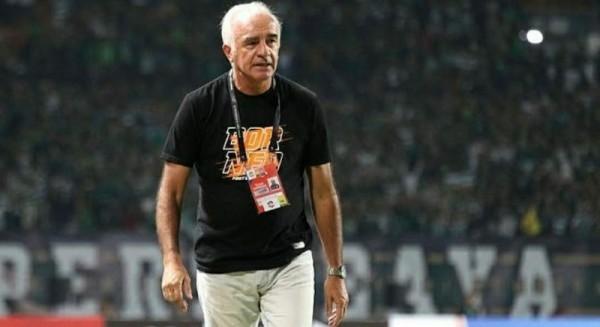 Pelatih Borneo FC, Roberto Carlos Mario Gomez (Ist)