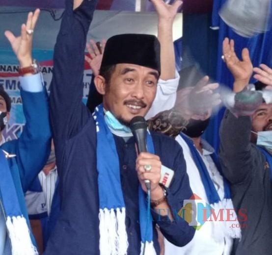 Penggagas Hari Santri Nasional KH Thoriq Darwis di acara Partai Demokrat Kabupaten Malang. (foto: Hendra Saputra/MalangTIMES)
