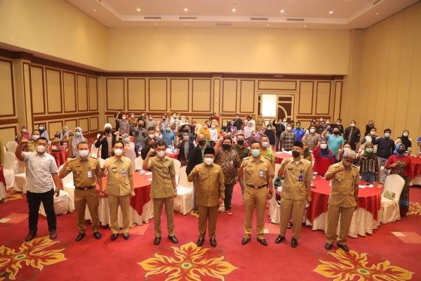 Suasana pelatihan pengelolaan media sosial TikTok dan Youtube yang digelar Diskominfo Kota Malang, Senin (22/3/2021). (Foto: Humas Pemkot Malang for MalangTIMES).
