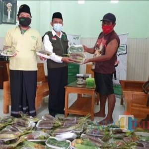 LazizNU Kota Madiun Bagikan Paket Hasil Pertanian kepada Warga