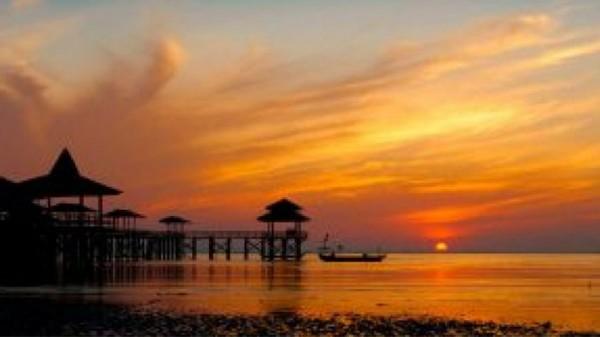 Pantai Kenjeran (Foto:  tempat wisata)