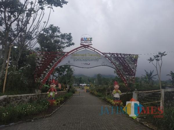 Suasana Kampung Edukasi Healing Forest dan HHBK Center AMKE yang terletak di Desa Oro-Oro Ombo, Kecamatan Batu, Kota Batu, Selasa (23/3/2021) (foto:Mariano Gale/JatimTIMES).