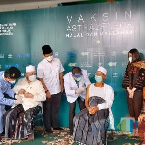 Mayoritas Negara Muslim Gunakan Vaksin Astra Zeneca, PWNU Jatim: Suci dan Halal