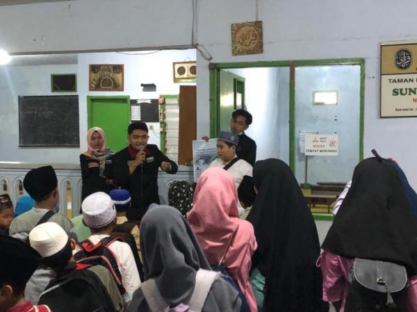 Pemberian materi dalam program edukasi ramah anak TPQ Sumberawan oleh mahasiswa UMM (Foto: Dokumentasi kelompok 8).