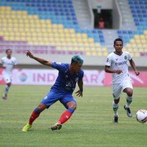 Hadapi Barito Putera, Arema FC Perkuat Lini Depan dan Belakang