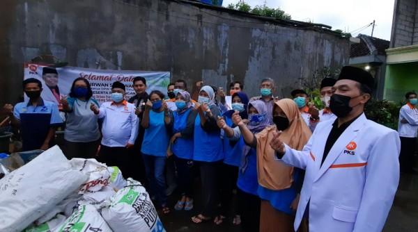Sapa Warga DPW PKS Jawa Timur ke Kampung Sensasi dan Kampung Urban Farming Kota Malang. (Foto: Istimewa)