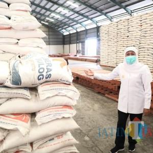 Menuju Puncak Panen, Gubernur Jatim Ingatkan Bulog Tingkatkan Pembelian Beras Petani