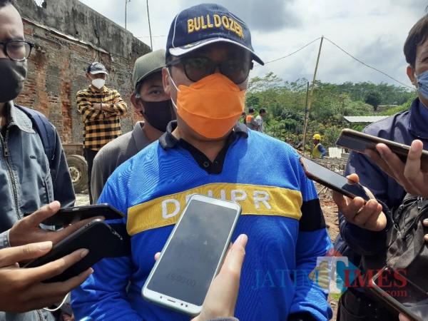 Kepala Dinas Pekerjaan Umum Penataan Ruang Perumahan dan Kawasan Permukiman (DPUPRPKP) Kota Malang Hadi Santoso. (Foto: Arifina Cahyanti Firdausi/MalangTIMES)