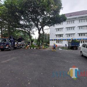 Lokasi Vaksinasi Lansia Drive Thru Berpindah ke Halaman Mini Block Office