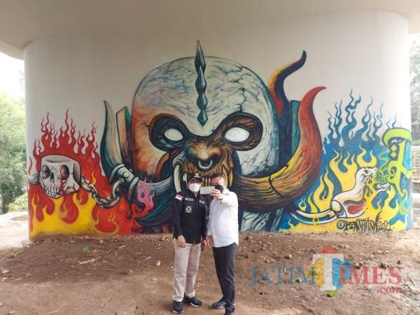 grafiti-Jembatan-Kedungkandang-1c294e5e963368d98.jpg
