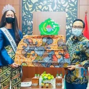 Kerap Dipromosikan Bupati Badrut, Penjualan Batik Pamekasan Meningkat