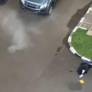 Video Detik-Detik Baku Tembak Terduga Teroris Wanita dengan Aparat di Mabes Polri
