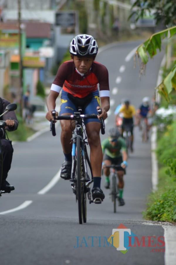 Arkana Galih Hafizh Sena, pembalap road bike BRCC asal Desa Tembokrejo, Kecamatan Muncar ,Banyuwangi. (Pengkab ISSI Banyuwangi For JTN)