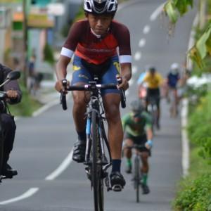 ISSI Banyuwngi Bidik Dua Emas Balap Sepeda Porprov Jatim