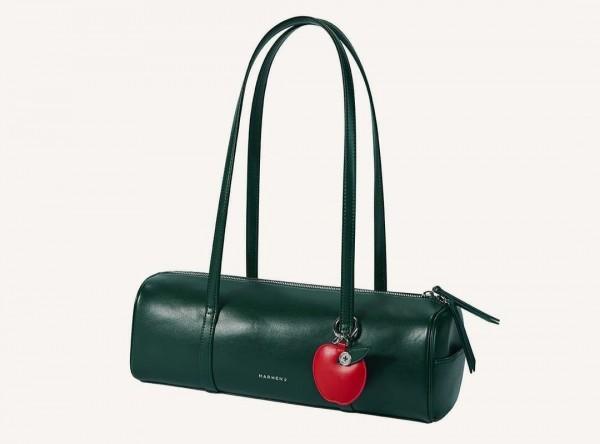 Salah satu koleksi tas berbahan dasari kulit apel. (Foto: Instagram @marhen.j).