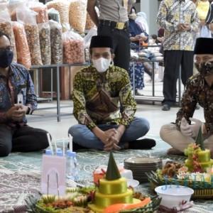 Percepat Pemulihan Ekonomi, Bupati Trenggalek Buka Pasar Pon Sebelum Bulan Ramadhan