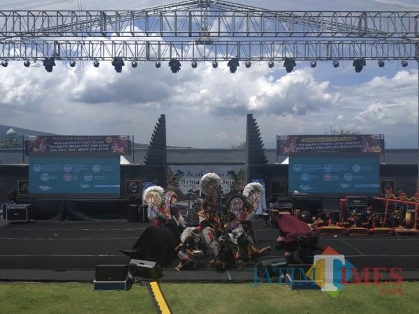 Event-Sambang-Mbatu-Diminati-Wisatawan-Disparta-Gandeng-Pelaku-Seni-2e188b252f0f26052.jpg