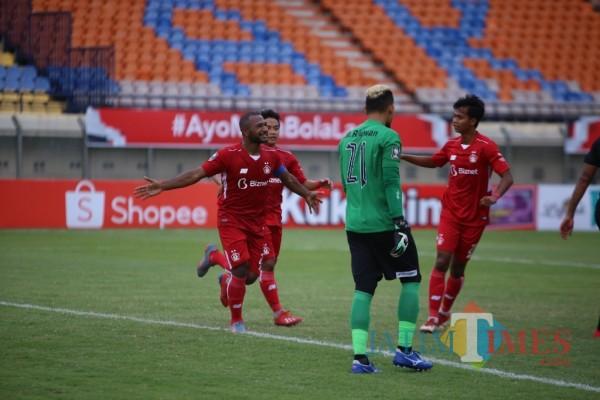 Persik Kediri saat bertanding melawan Madura United.(ist)