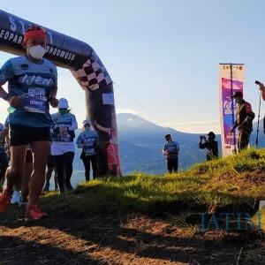 Penuh Antusias, Peserta Geopark Ijen Run Exhibition Dilepas di Mega Sari Bondowoso