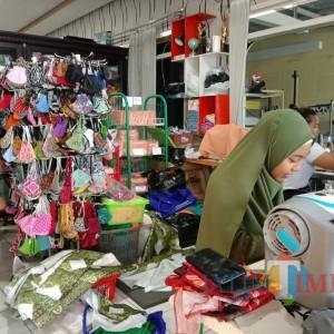 Gara-Gara Pandemi Covid-19, Pengusaha Rental Mobil Banting Setir Produksi Masker