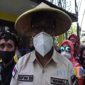 Wawali Kota Malang Tanam Pohon Pule dan Apresiasi Kampung Budaya Polowijen