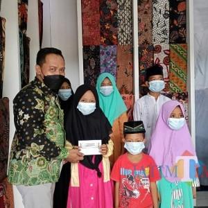 Istana Batik KaDe Berbagi Kebahagiaan dengan Menyantuni Anak Yatim