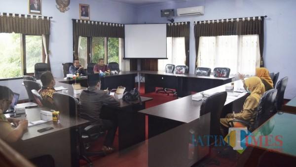 Suasana rapat Komisi II DPRD Trenggalek dengan Dinas Perikanan dan Kelautan