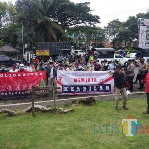 Warga Kalipenggung Datangi DPRD Protes Penutupan Jalan oleh PT Kalijeruk Baru