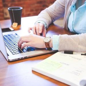 Bagaimana Cara Menulis Skripsi yang Benar dan Berkualitas? Berikut Tipsnya