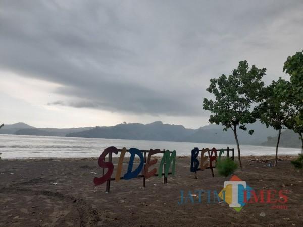 Tampak Pantai Sidem Tulungagung masih sepi pengunjung. (Foto: Muhsin/TulungagungTimes)