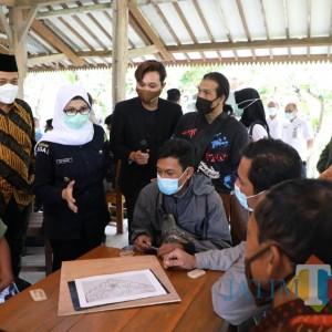 Bupati Rini Tingkatkan SDM Sektor Kerajinan di Masa Pandemi