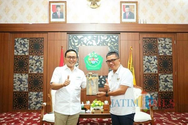 Bupati Pamekasan Baddrut Tamam bersama Helmy Yahya (Foto: Diskominfo Pamekasan)