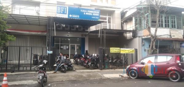 Kantor PT BFI Finance Indonesia cabang Jember di Jalan Diponegoro (foto: Moh. Ali Makrus/ Jatim TIMES)
