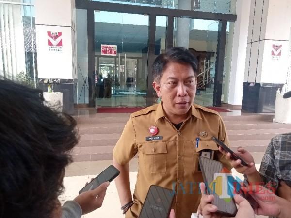 Ketua Dinas Pariwisata dan Kebudayaan Kabupaten Malang, Made Arya saat menghadiri Musyarawah Seniman Kabupaten Malang, Senin (5/4/2021) (Foto: Fery/MalangTIMES)