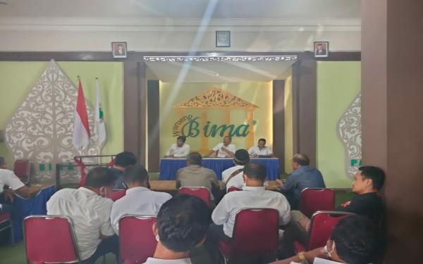 Pertemuan AKD di salah satu rumah makan / Foto : Istimewa / Tulungagung TIMES