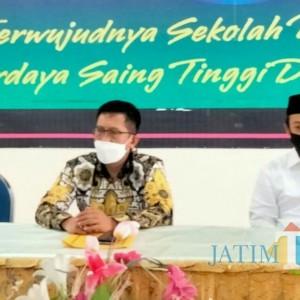 DPD Golkar Bantu Seribu Pelajar Lumajang melalui Program Indonesia Pintar