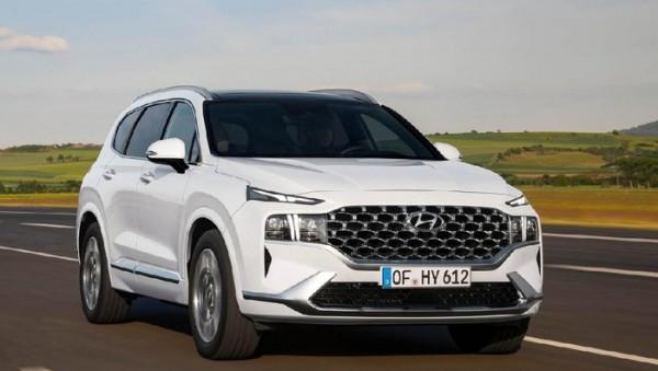 Hyundai New Santa Fe (Foto: Driveandcar.com)