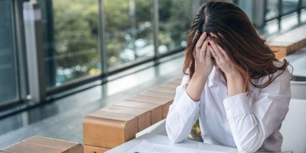Sering cemas berlebihan dapat menyebabkan resiko tinggi hingga mengakibatkan gangguan kecemasan berlebihan.