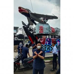 Dinilai Tak Sesuai Aturan, Dewan Desak Pembongkaran Reklame Rokok di Tugu Pesawat Sukarno Hatta