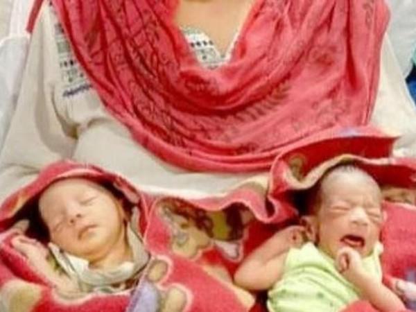 Bayi kembar bernama Corona dan Covid di India