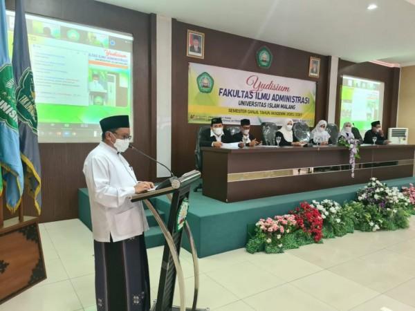 Direktur Pascasarjana Unisma, Prof. M. Mas'ud Said, Ph.D (kiri) dalam sambutan di acara Yudisium FIA (09/04/2021)