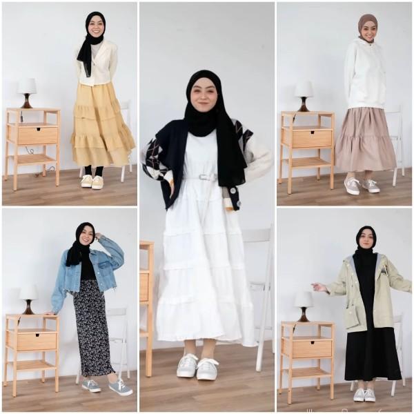Inspirasi busana casual dengan skrit dan sneakers ala hijabers. (Foto: Instagram @meiraniap).