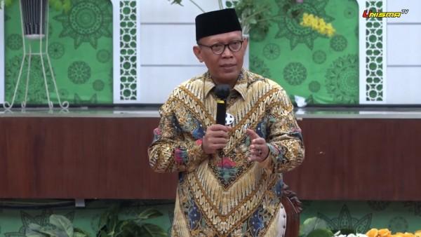 Prof. Dr. H. Maskuri, M.Si selaku Rektor Unisma dalam sambutan acara Lustrum ke-8 Unisma (Sumber: Istimewa)