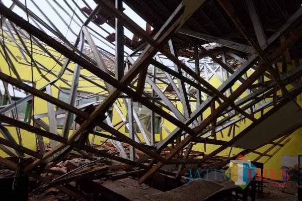 Kondisi MAN 2 Turen yang rusak parah akibat gempa (foto: Hendra Saputra/MalangTIMES)
