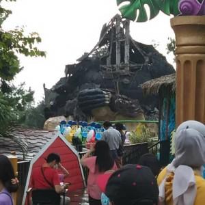 Akibat Gempa 6.7 SR, Patung Gorila di JTP 2 Roboh