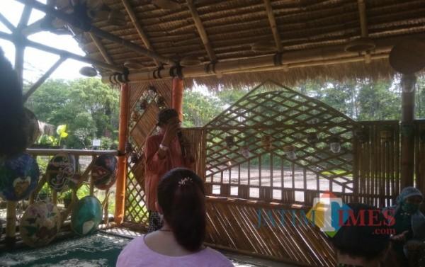 Sambutan Ketua Paguyuban Sanggul Nusantara Surabaya, Rishandono di Kampung Budaya Polowijen (10/04/2021)