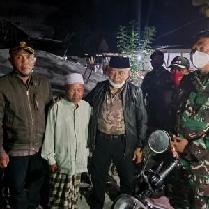 Paska Gempa, Bupati Sanusi Langsung Turun Lokasi Berikan Bantuan