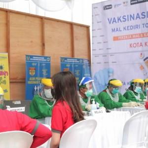 Fokuskan Vaksinasi untuk Pekerja Publik, Pemkot Kediri Sasar Tiga Mal