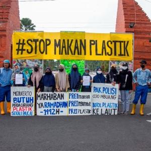 Aktivis Lingkungan di Mojokerto Kirim Surat Tilang Pada Kapolri, Begini Maksudnya!